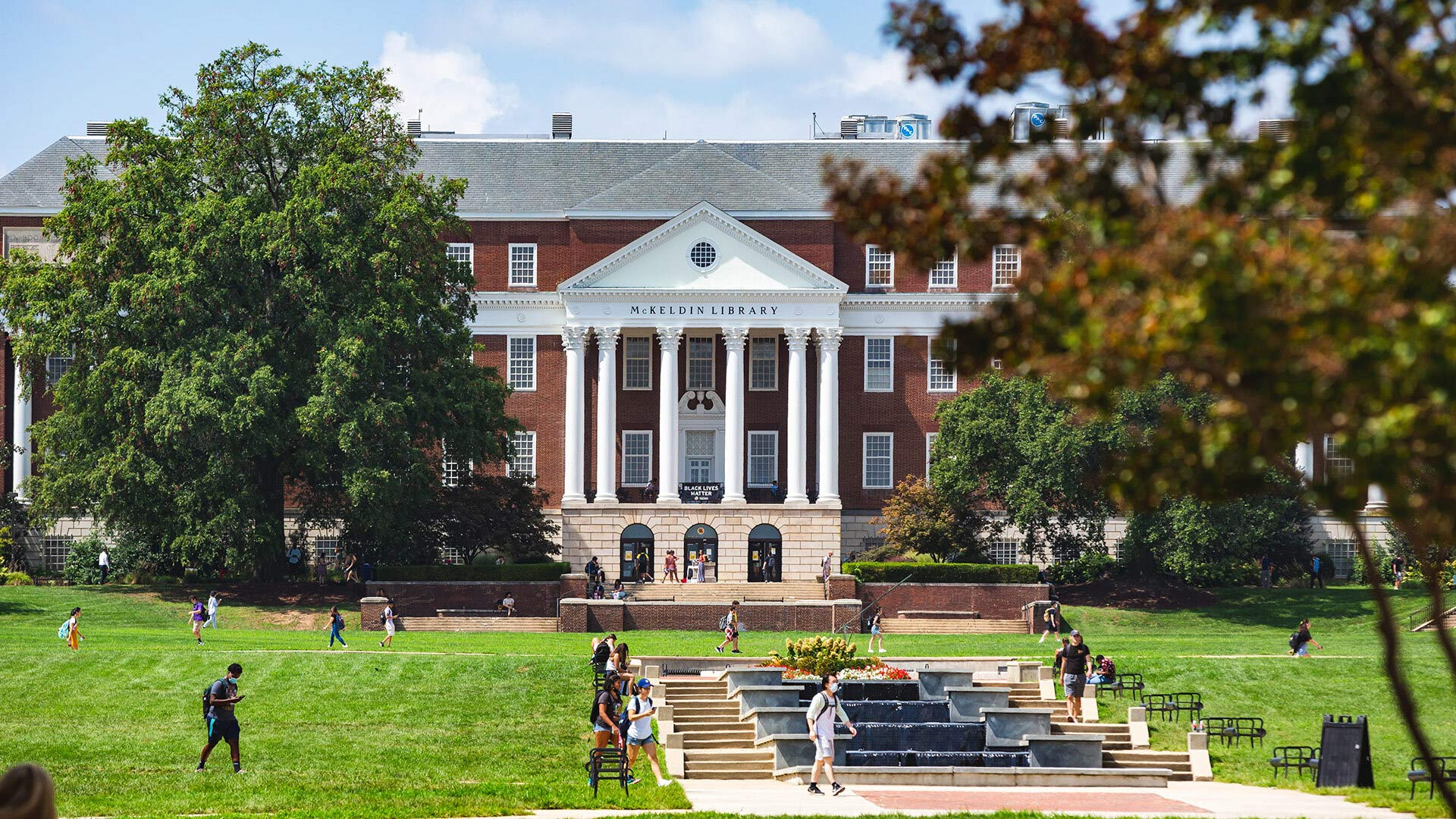 U.S. News & World Report ranked UMD No. 20 among the top public universities and No. 59 among national universities in its new ratings released today. Photo by Stephanie S. Cordle